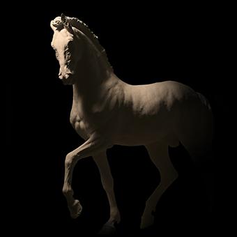 Scultura classica di un cavallo