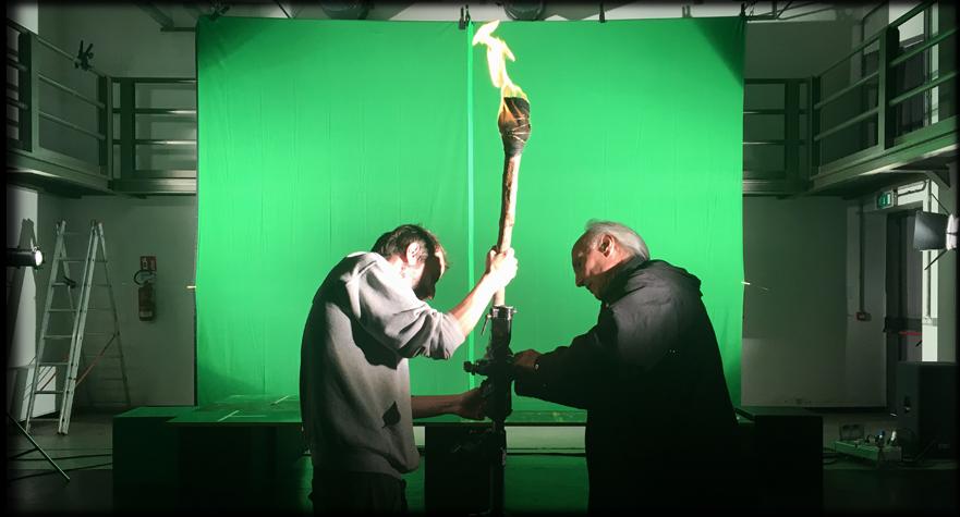 Riprese in studio con green screen e fiaccola